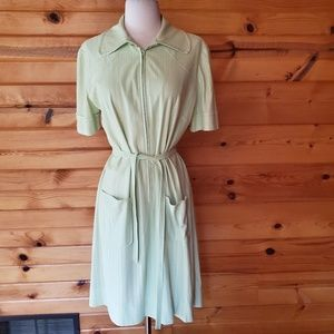 1970s Unlabeled Pale Lime Green Polyester Dress